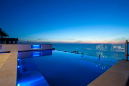 Donehues Leisure Building Fibreglass Infinity Pools Installation Showcase 6
