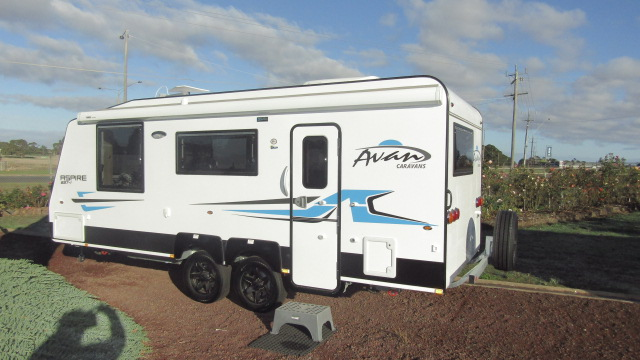 Donehues Leisure NEW Avan Aspire 587Ensuite Caravan Tandem Axles Hamilton 12299 IMG 9320